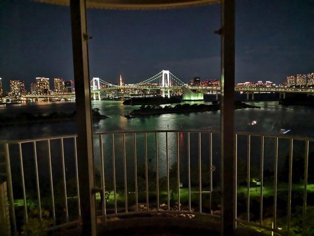 ヒルトン東京お台場から見えるレインボーブリッジの夜景