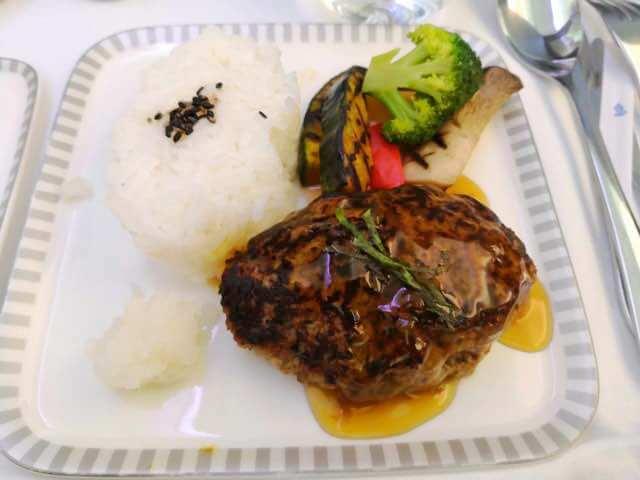シンガポール航空ビジネスクラス機内食メイン