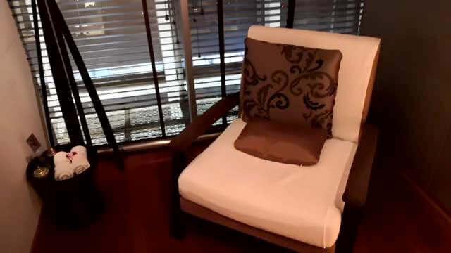 オーキッドスパの椅子
