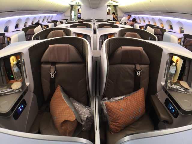 シンガポール航空787-10ビジネスクラスシート3